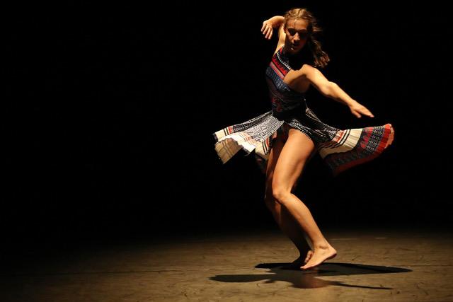 """Η χορευτική παράσταση """"THE THREAD"""" σε online streaming"""